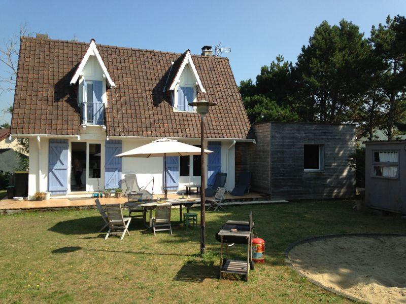 photo de SAINTE CECILE - Jolie maison toute proche de la plage sur 760 m²!