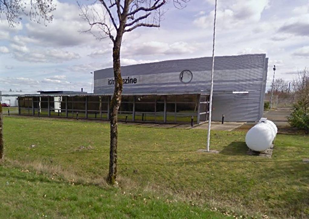 BUREAUX - PROCHE SAINTES - 556 m2