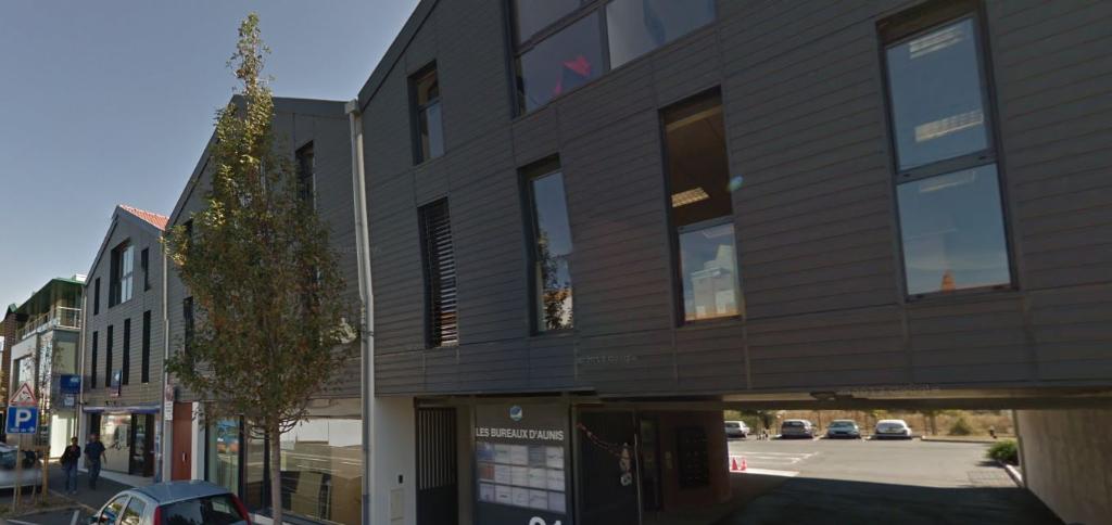 A louer bureau zone territoires entrepreneurs 48 54 m for Bureau center la rochelle