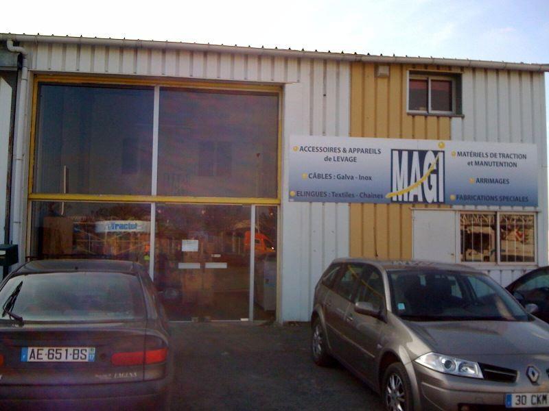 LOCAL D\'ACTIVITE AVEC SHOW-ROOM - 176 m2
