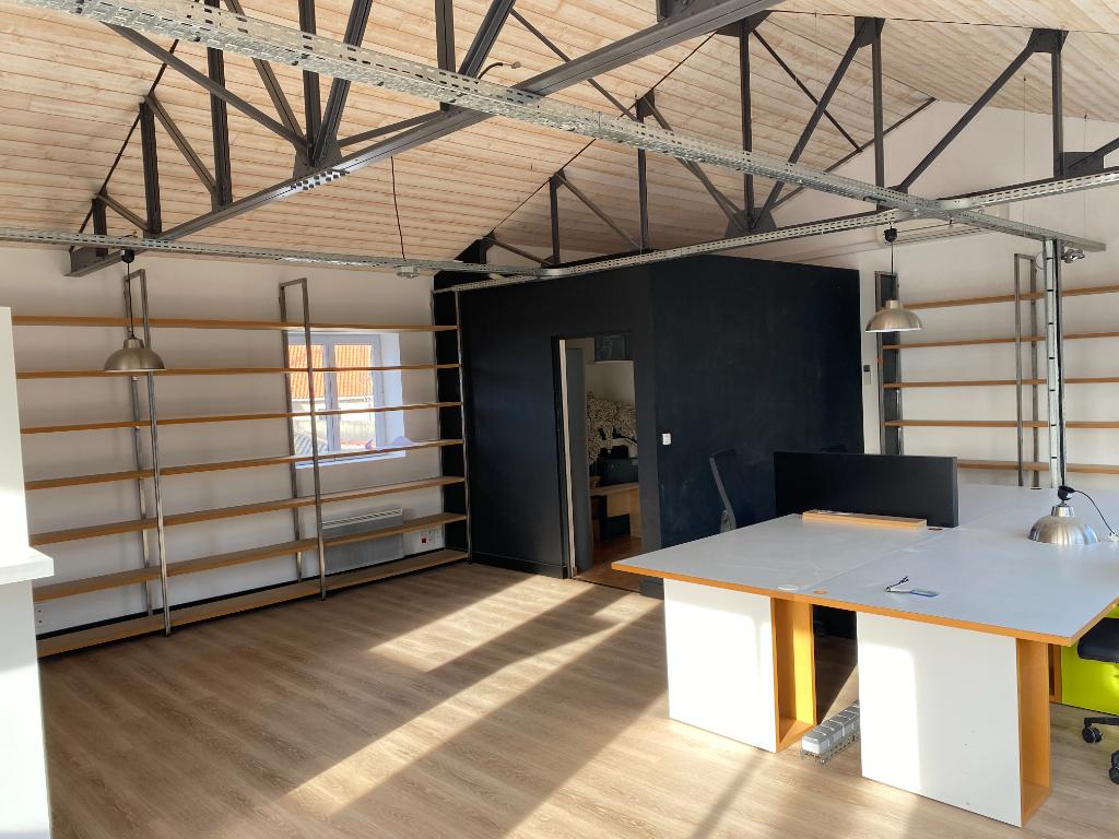 A louer BUREAUX  EN ZFU - 65 m²