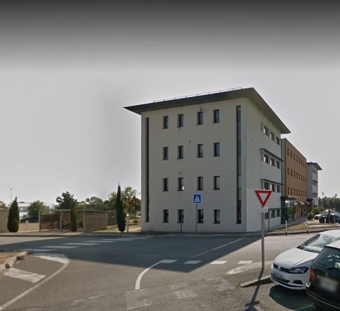 BUREAUX - IMMEUBLE TERTIAIRE - PERIGNY 145 m²