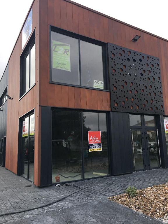 Location local commercial neuf de 160 m² La Rochelle