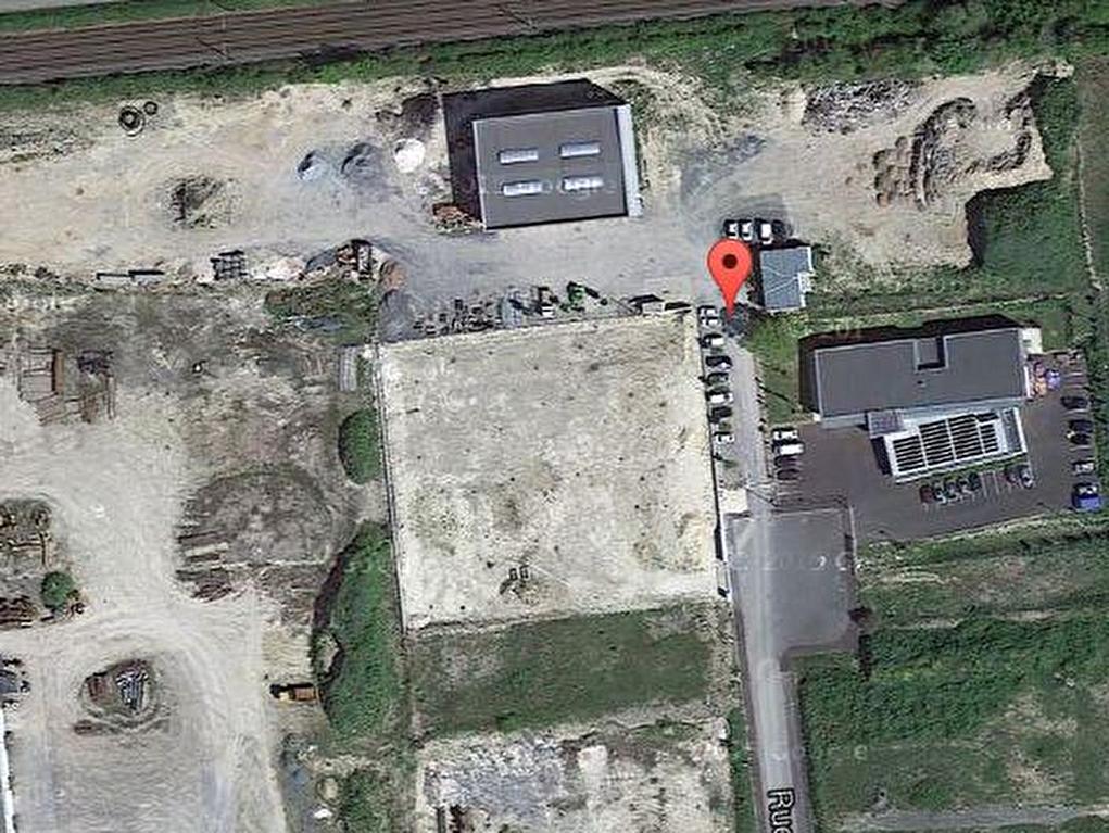 Local d\'activité - Surgères - 700 m² sur belle parcelle de 1ha 14a 25 ca