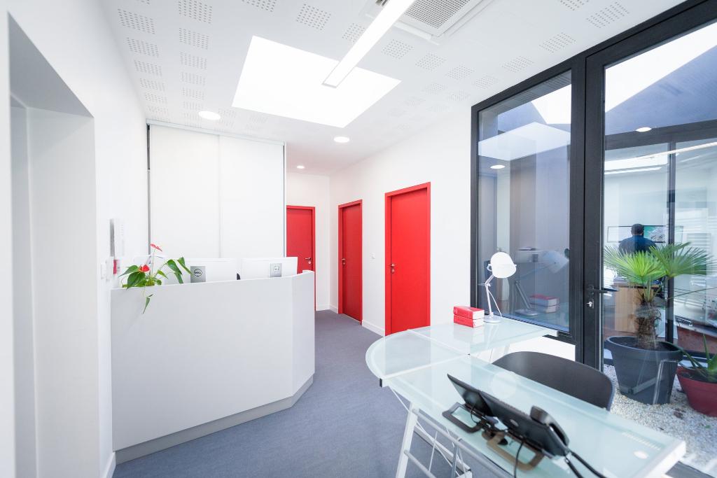 BUREAUX - AXE PASSANT LA ROCHELLE - 308,40 m²