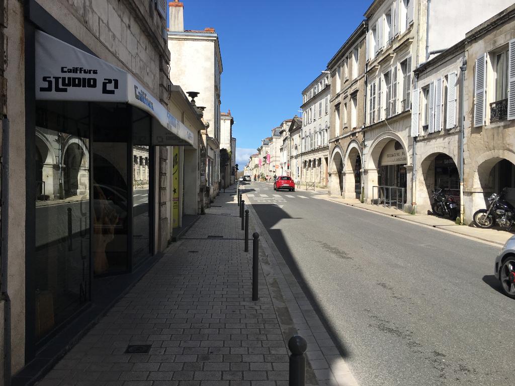 A louer Local commercial 52m² La Rochelle