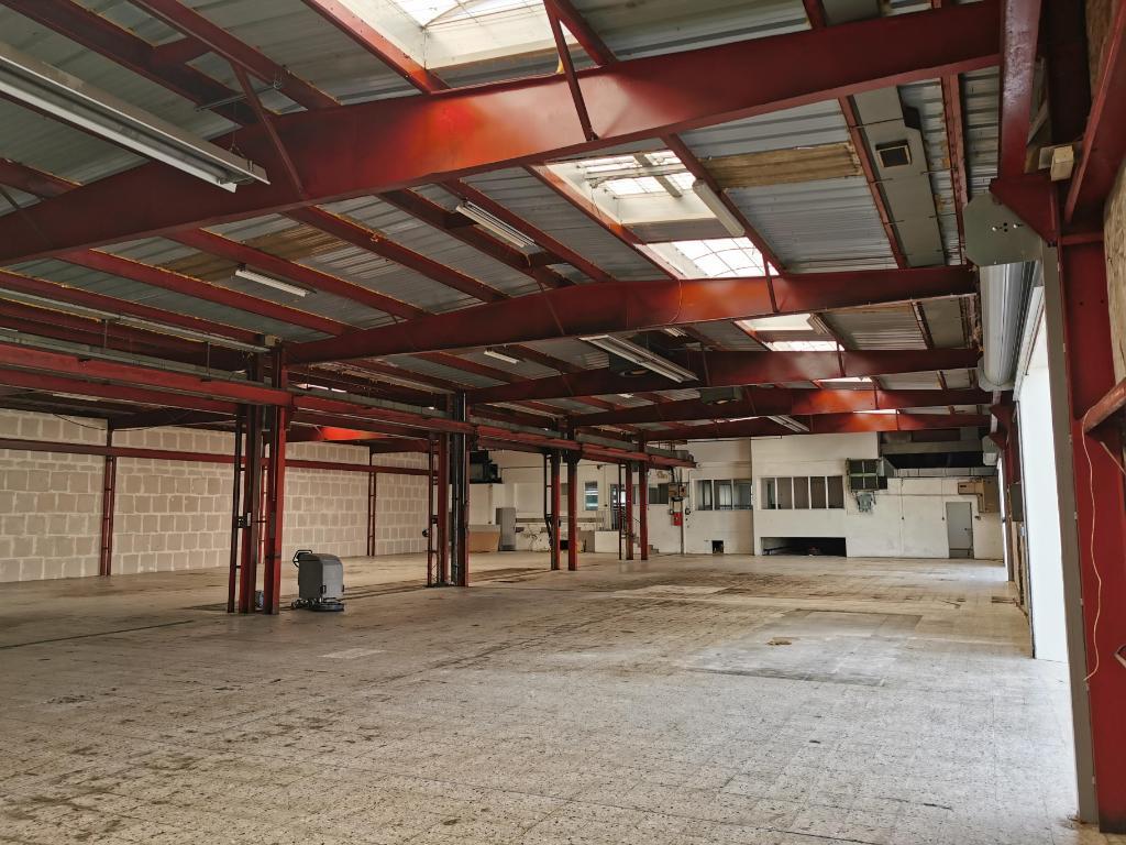 A VENDRE LOCAL D\'ACTIVITÉ 1200 m² AYTRE