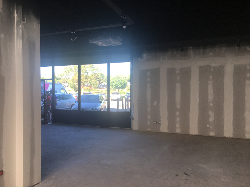 A LOUER Local commercial Lagord  180 m²