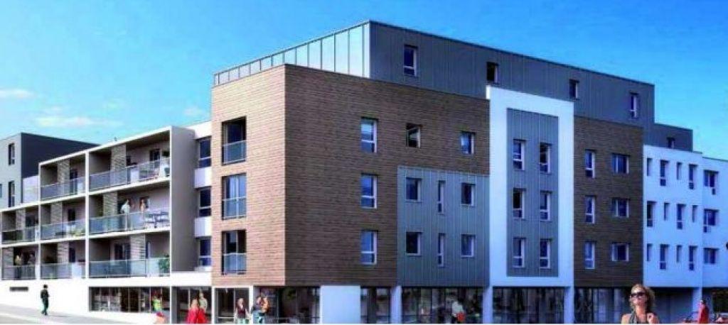 LOCAL PROFESSIONNEL OU COMMERCIAL - 96,93 m² environ