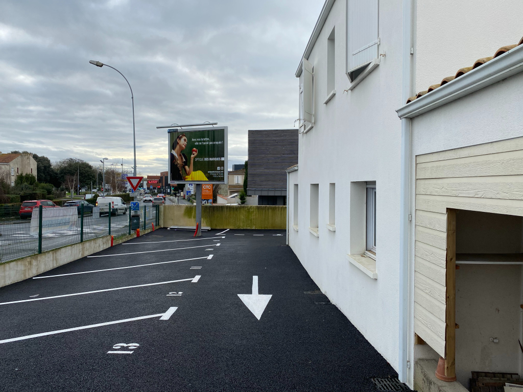 Local commercial - Lagord - 90 m2