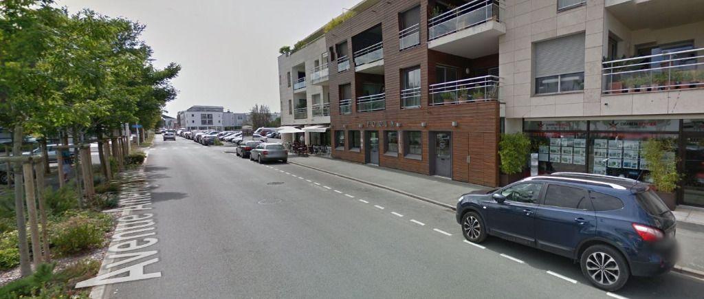LOCAL COMMERCIAL - 80 m² - VILLE EN BOIS