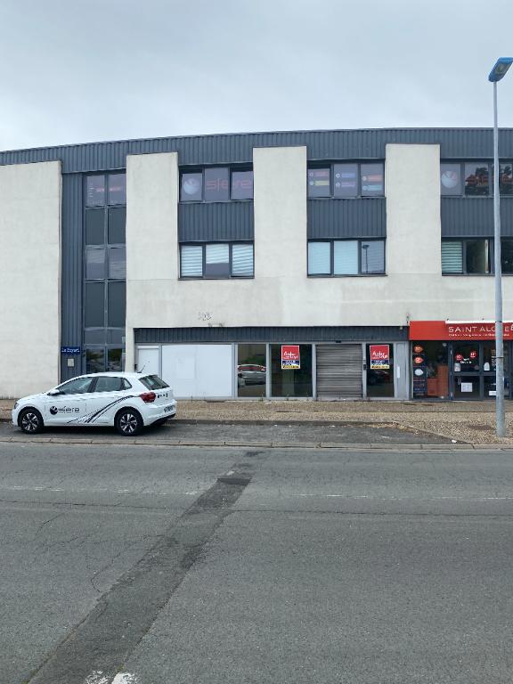 A vendre Bureaux AYTRE 301 m2