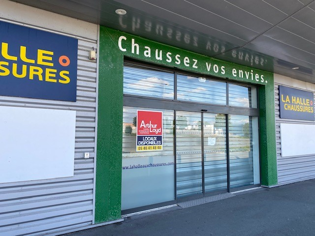 Local commercial Rochefort 700 m2