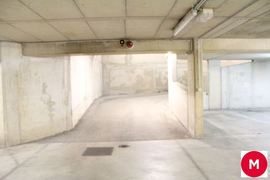 A louer Parking / box Luxembourg-Gare 15.5m²  piéces