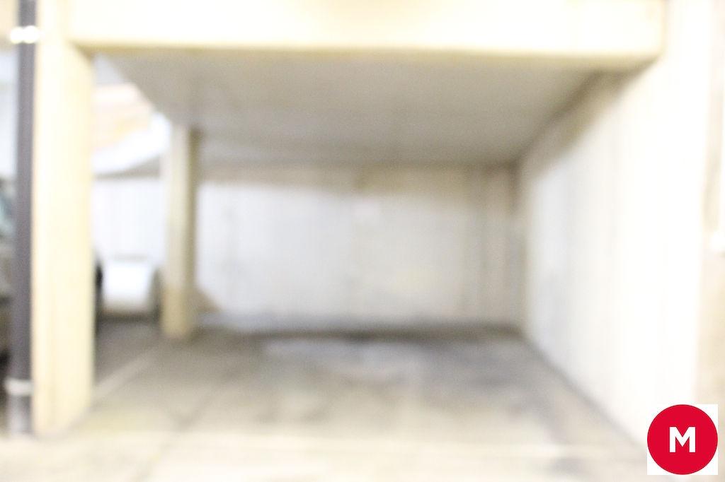 A louer Parking / box Luxembourg-Gare 15.5m² 125  piéces