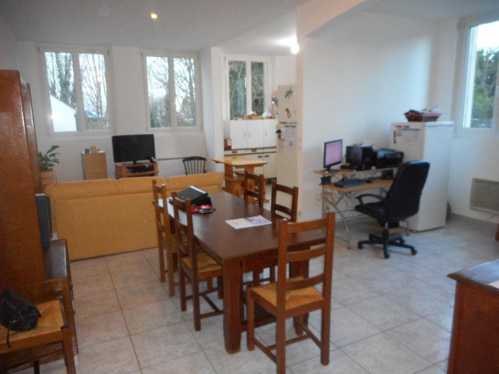 COMPIEGNE - Appartement 4 pièces - 80 m²  (60)