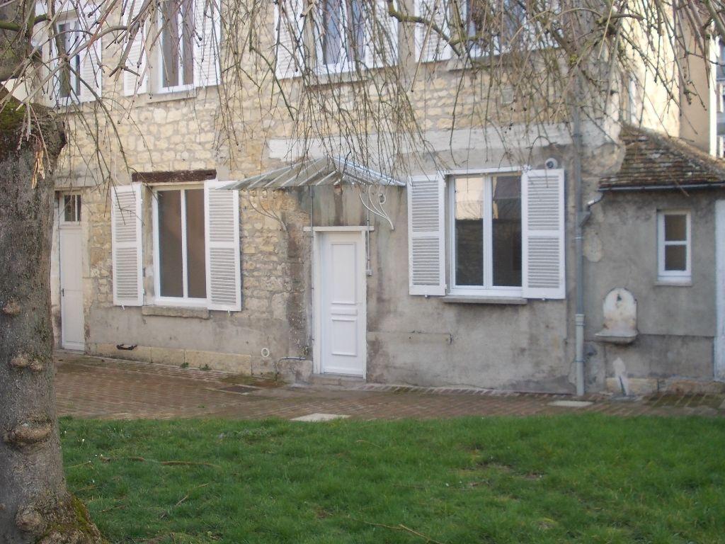 Duplex 4 pièce(s) 89 m2  (60)