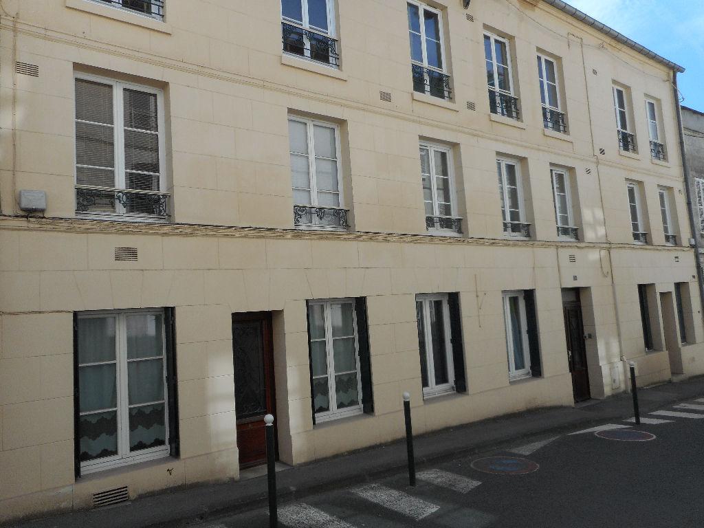 Appartement Compiegne 1 pièce(s) 14 m2  ( 6)