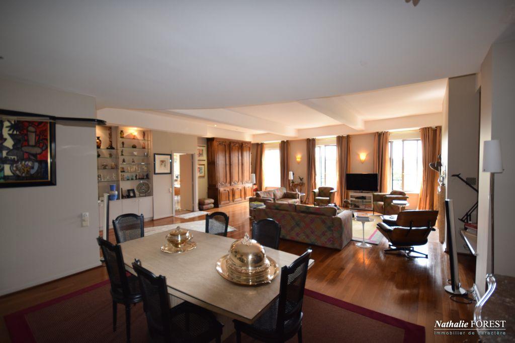 EXCLUSIVITE .Splendide et rare Appartement type PENTHOUSE 300 m² Type 5 . Terrasse 155 m²