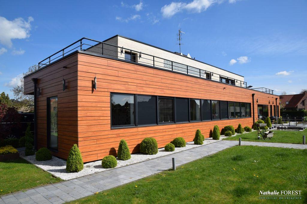 Proximit� BEAUCAMPS LIGNY , splendide maison d 'architecte avec piscine ext�rieure . 400 m� hab sur 2000 m� de terrain