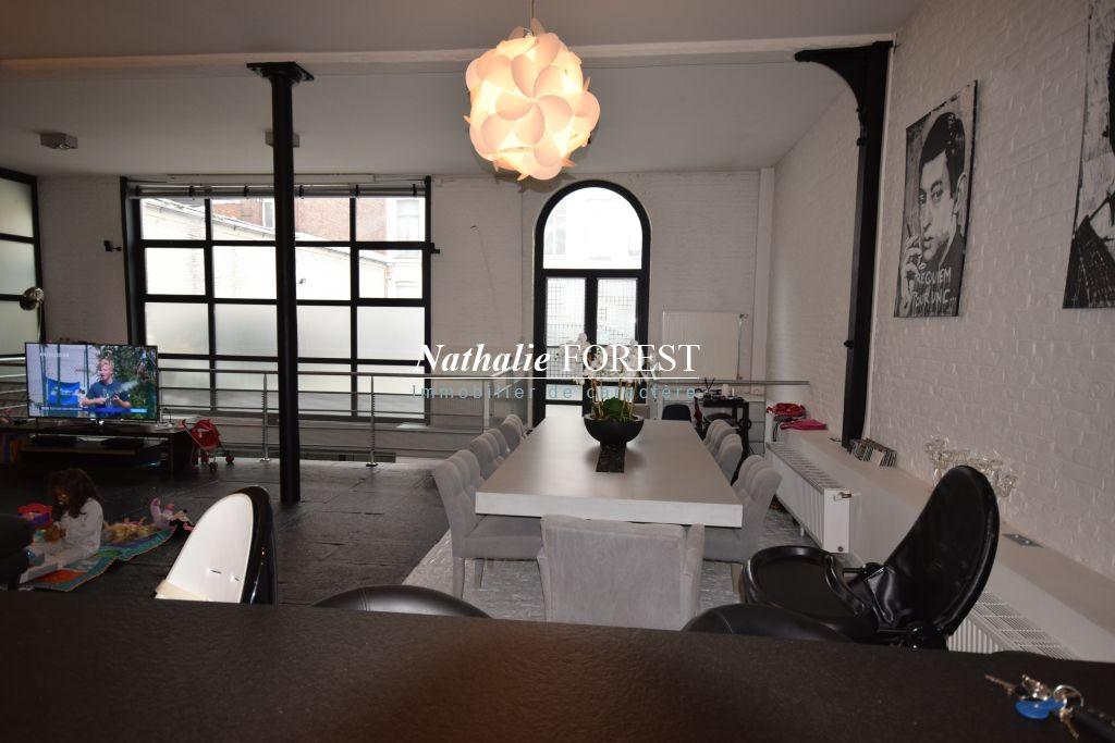 LILLE Liberté Appartement-Loft  5 pièce(s) 270M2 Habitables+ 2 Parkings sécurisés