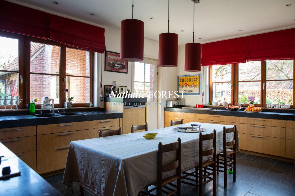 Bondues prox centre , extraordinaire maison d 'architecte  sur 2980 m² de terrain divisible et constructible
