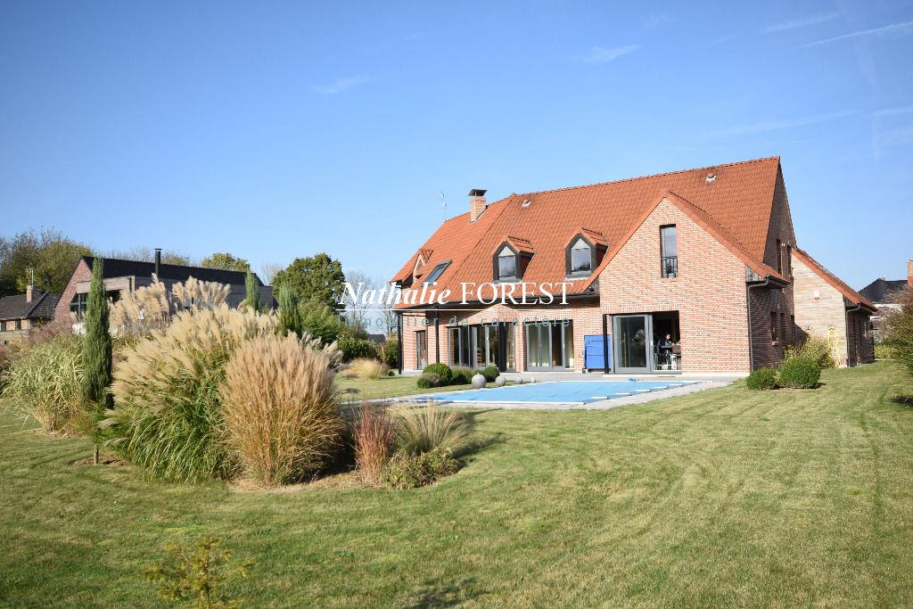 Merignies , premier rang Golf , splendide maison d 'architecte , 8 ch , 4 sdb ,  avec rendement locatif possible