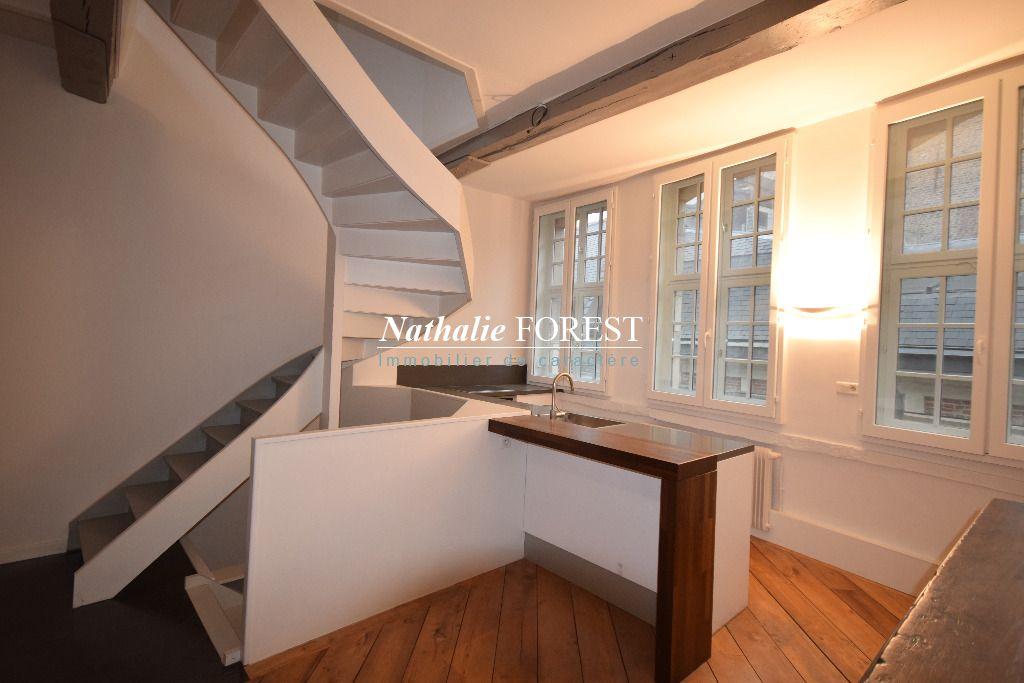 Au Coeur du Vieux LILLE ! SECTEUR TOP Appartement Duplex De Charme Rénové   4 pièce(s) 132M2 Loi Carrez (156,49M2 au sol)