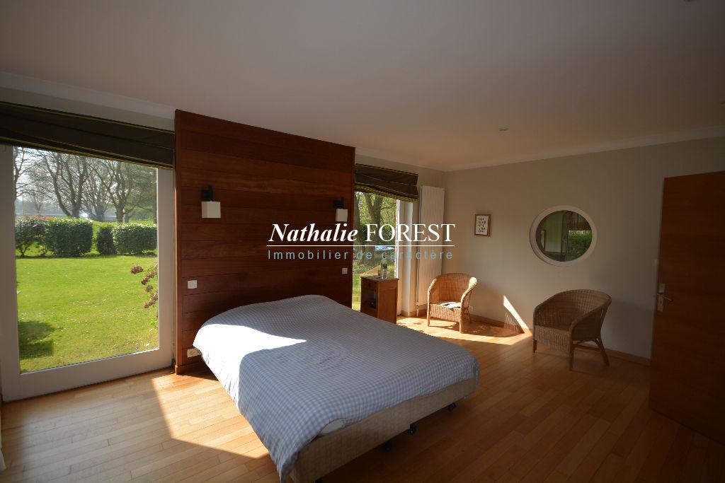 BONDUES 1er rang sur Golf, Villa d'architecte 5 Chambres, Bureau 280M2 Habitables/1475 m2 de Terrain