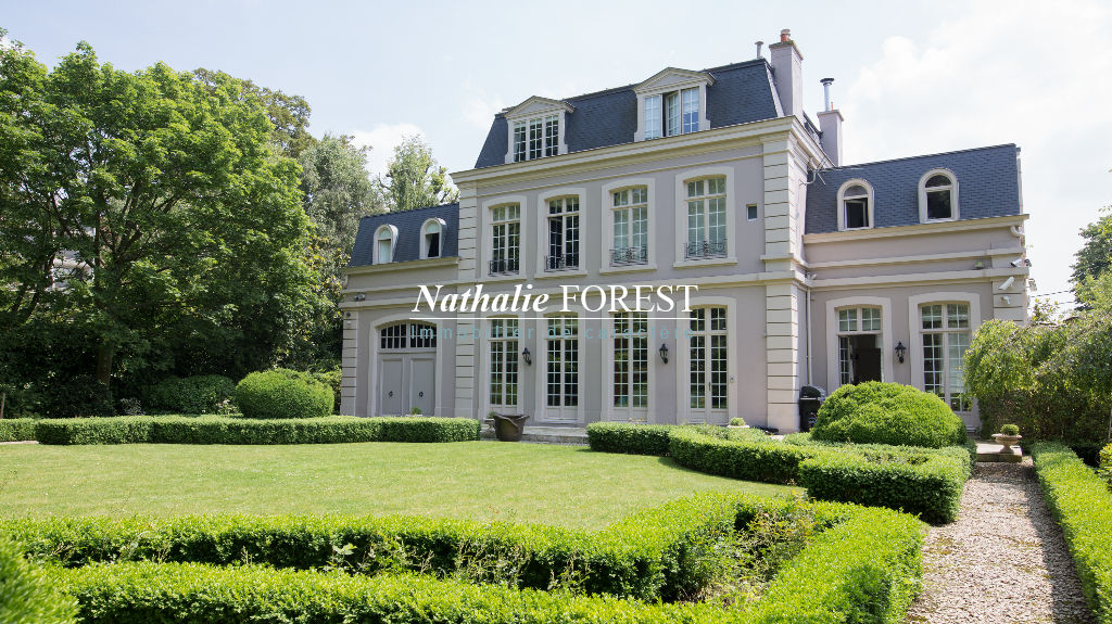 Proximite LILLE , Adresse Numéro N 1 pour ce  Superbe Hôtel de Maître érigée sur un jardin de 1550 m²