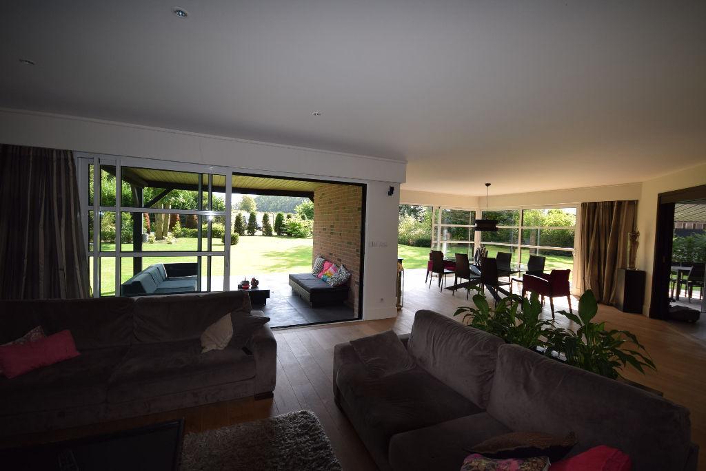 Bondues Résidentiel ,  splendide Villa contemporaine  d' architecte sur 1700 m² de terrain .
