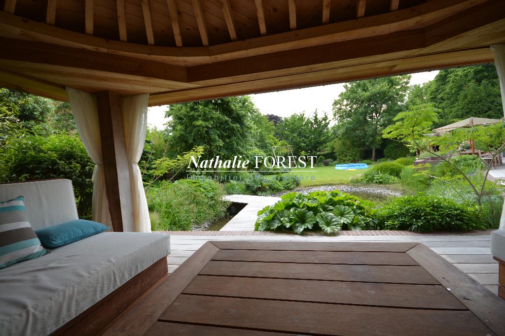 EXCLUSIVITE . MARCQ EN BAROEUL , Splendide Villa de 450 m2 hab , 6 ch , 5sdb , bureau, salle home cinéma sur 2200m² de terrain environ.