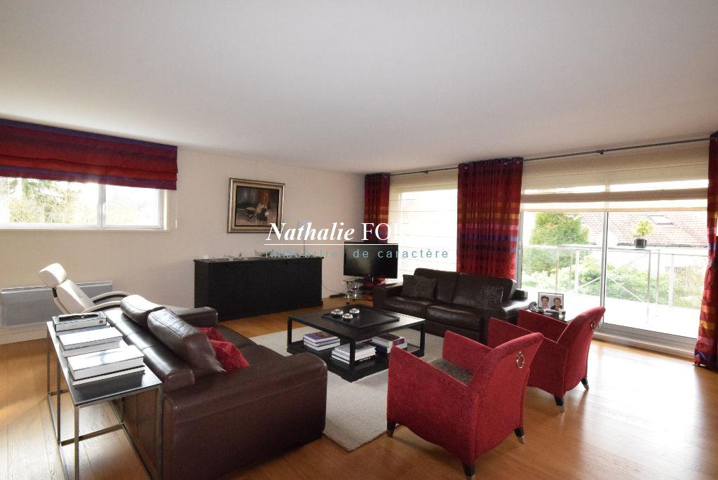 MARCQ EN BAROEUL Croisé Splendide Appartement de Standing  3 pièce(s) 130M2 Terrasse 25M2 Sud-ouest 2 Garages