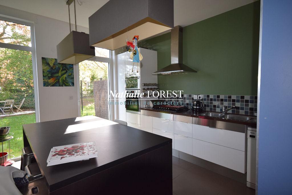 CROIX  Barbieux Secteur Prisé Prox Tramway et Métro Belle maison cubique d'architecte BBC 234M2 Habitables