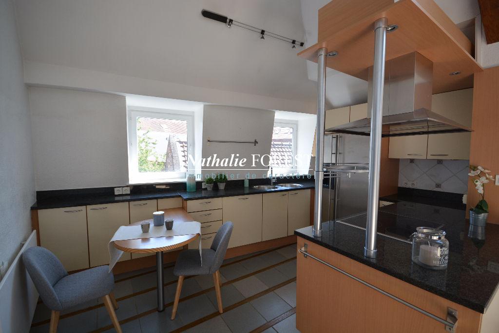 VIEUX LILLE Appartement Duplex T6 Dernier étage 143M2 Loi Carrez avec Terrasse