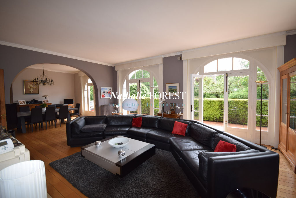 Marcq en Baroeul , plein croisé Laroche , splendide maison bourgeoise , 6 ch , grenier aménageable 80 m2 sur 1040 m2de terrain