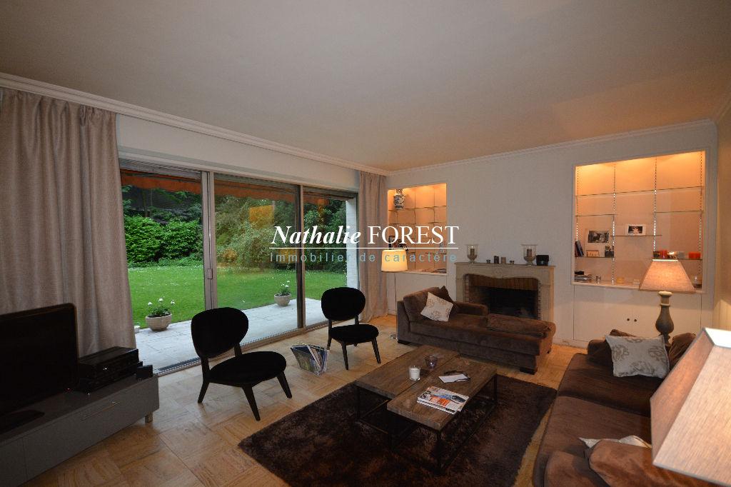 ROUBAIX BARBIEUX- Appartement type V + jardin de 400m²