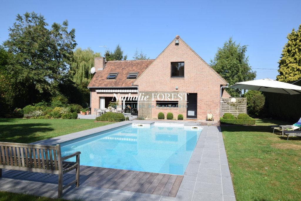 Bondues, proximité domaine de la vigne , très  belle maison contemporaine ,4 chambres , piscine extérieure