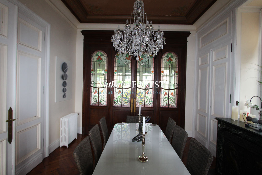 Flines Lez Râches, exclusivité, Maison de maître12 pièces, petit château de Brasseur sur une parcelle arborée de 2000 m2