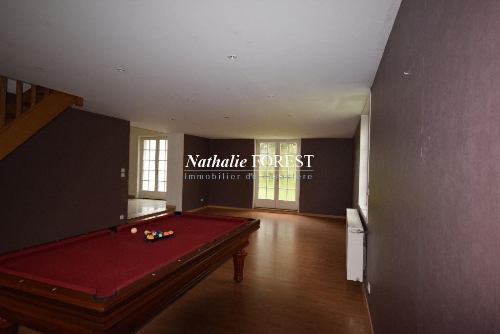 Bondues,1 er rang de Golf , Villa de 290 m2 à rénover ,   sur 1400 m2
