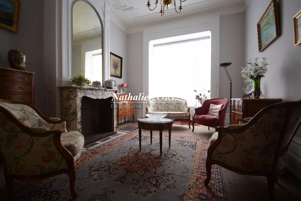 A vendre maison à Lille , 185 m², 609 000 € | Nathalie Forest Immobilier