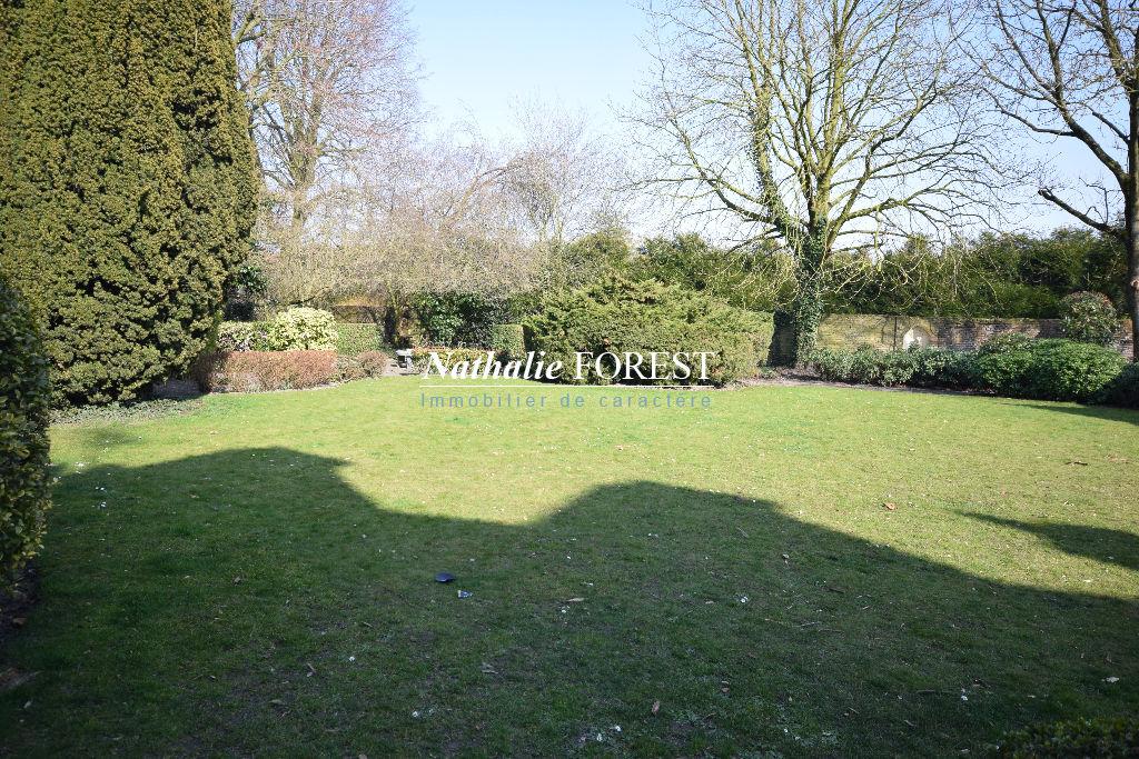 Prox Bondues  Rare ! Maison de Maître entièrement rénovée 405M2  (avec appartement indépendant) jardin 1400M2