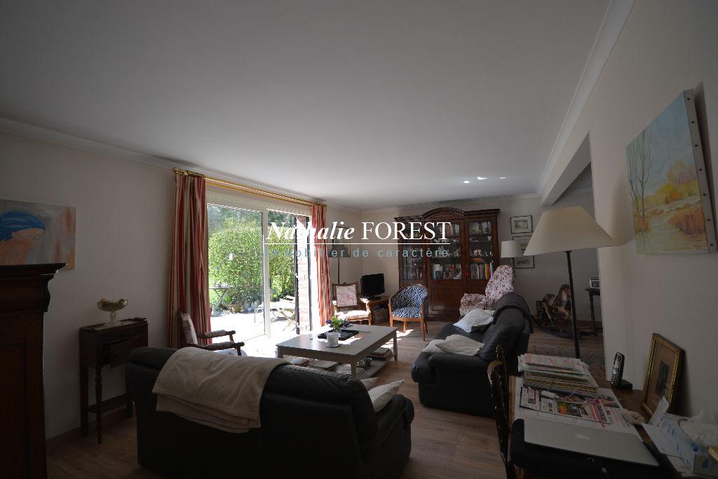 Prox Bondues Croix blanche , Exclusivité , extension pos , ravissante maison d 'architecte sur terrain de  1091 m2.Extension possible