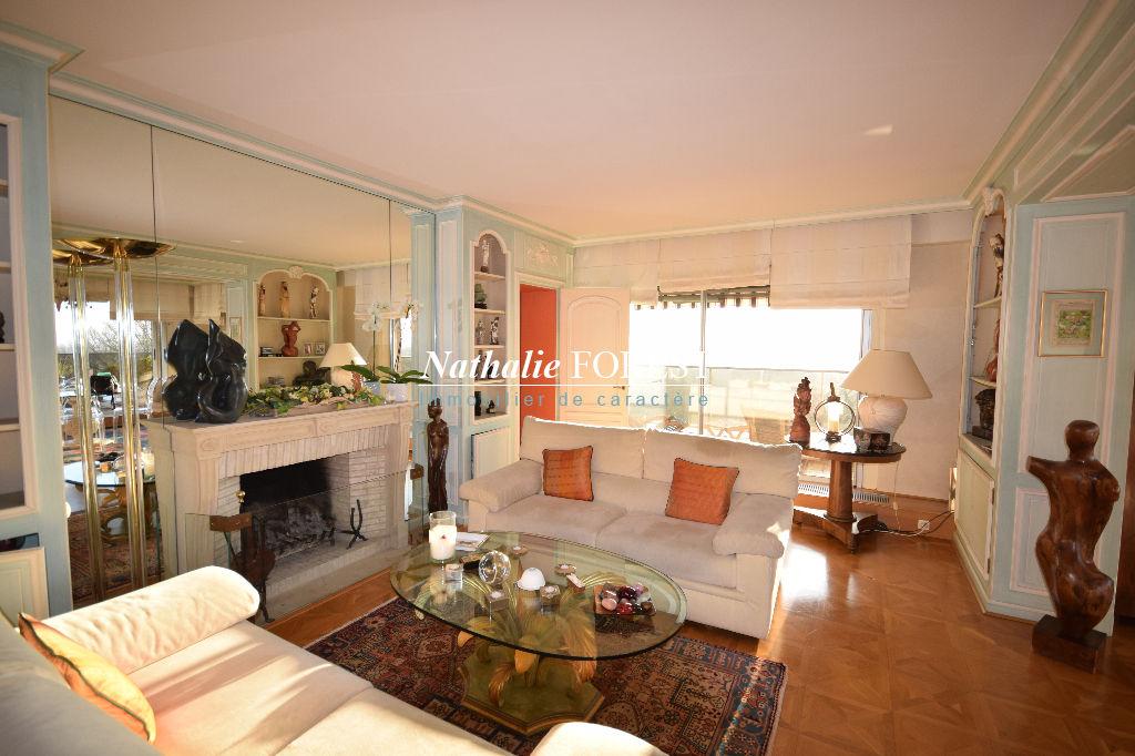CROIX Barbieux 6ème et Dernier étage, Très bel Appartement  T6, 222M2 Habitables, grande terrasse, Balcon, 2 Garages, 2 Parkings