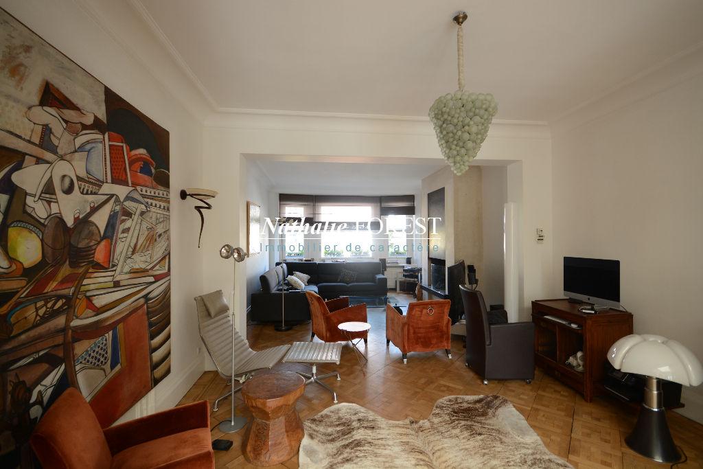 """Exclusivité , Marcq en Baroeul plein Croisé Laroche , superbe maison """"Art Déco """"  , 5/6 chambres sur 978 M2 de terrain . Garage"""