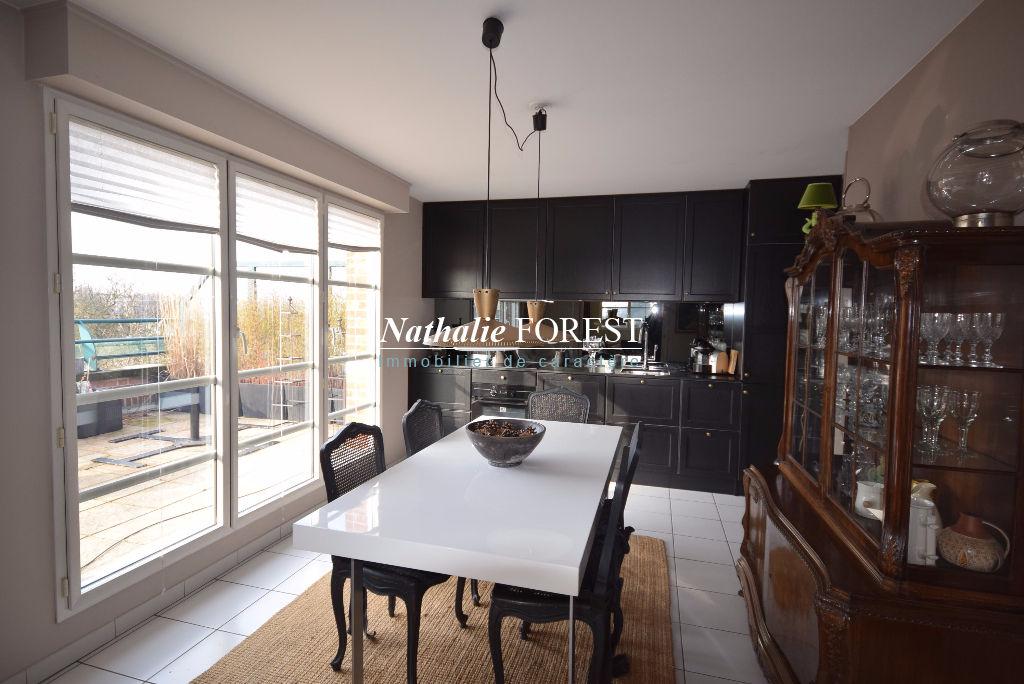 Marcq Clémenceau , appartement 3 chambres avec une terrasse de 60m2 au dernier étage