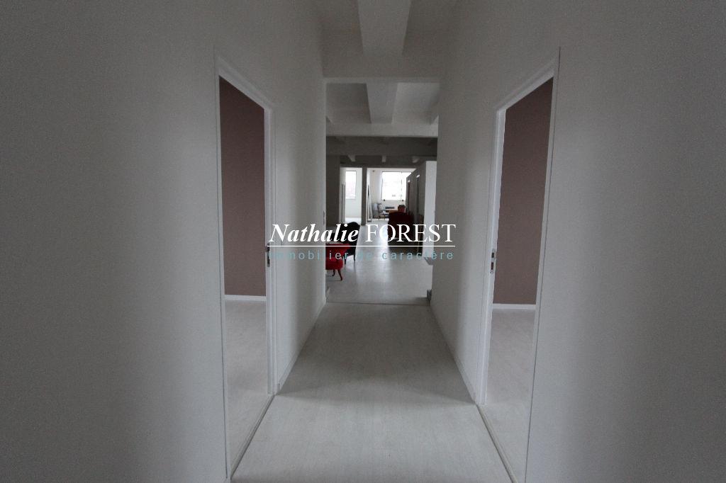 ROUBAIX, beau Loft de 400 m2, idéal show room , au dernier étage d'une usine, 305000€