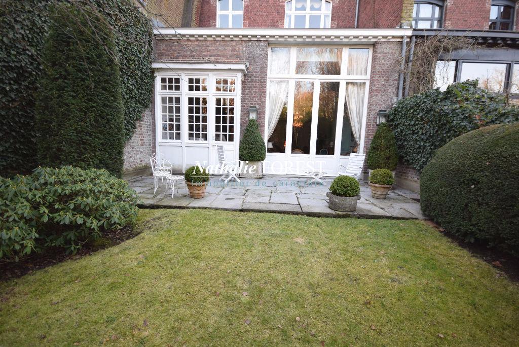 ROUBAIX Coeur de Barbieux ! Rare Sublime Maison de Maître 360M2 Habitables , Jardin, Garage 2 voitures