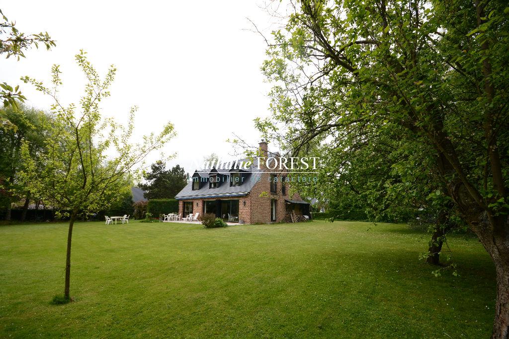 Très jolie Villa ,  premier rang de Golf à Bondues 5 chambres ,  bureau sur 2000 M2 de terrain