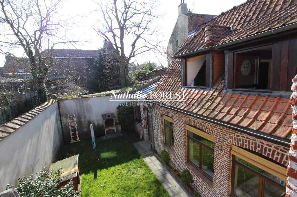 SECLIN, Maison de village semi-flamande, 5 chambres, à proximité de la gare, des écoles et tous commerces